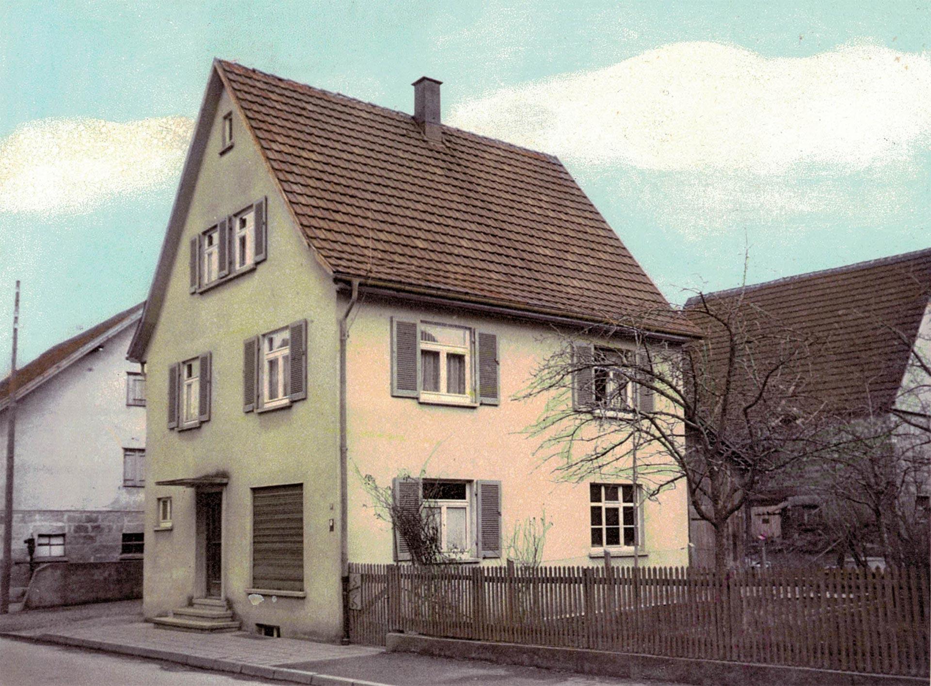 Das alte Gebüde in der Langen Strasse 9 in Filderstadt Sielmingen vor dem Umbau.